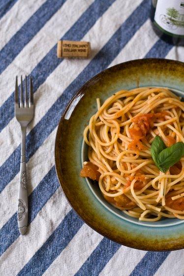Tomato Sauce Spaghetti top